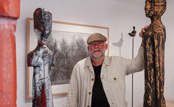 Bildhauer Thomas Schulze in der Kunstgalerie Vanitas